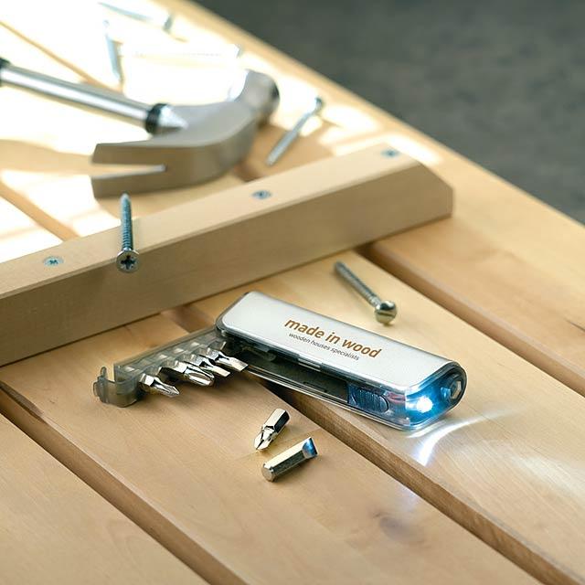 Sada nářadí a LED svítilna z ABS - foto