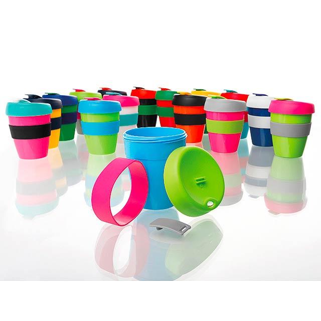 TUMBLER MIX plastový hrnek na kávu s víčkem a teplu odolným silikon. kroužkem - multicolor