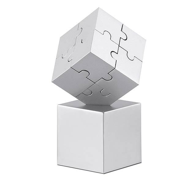 3D kovové magnetické puzzle ve tvaru kostky. Lze použít jako těžítko. - stříbrná mat - foto